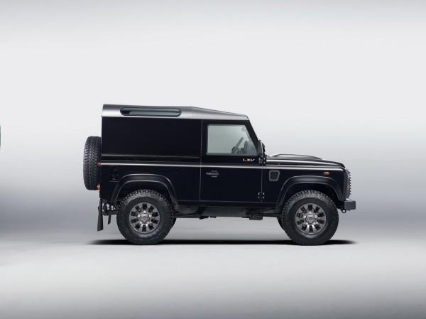 Land-Rover-Defender-LXV.3