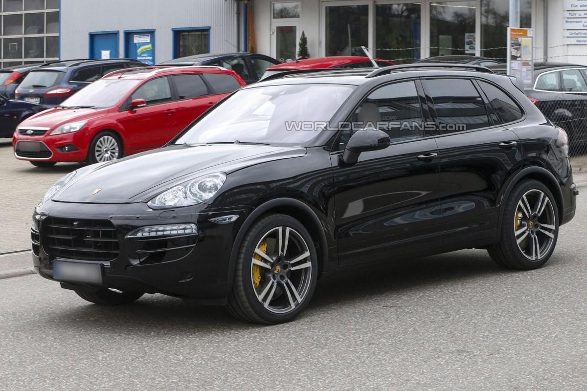 Porsche Cayenne 2014 Spyshot (3)