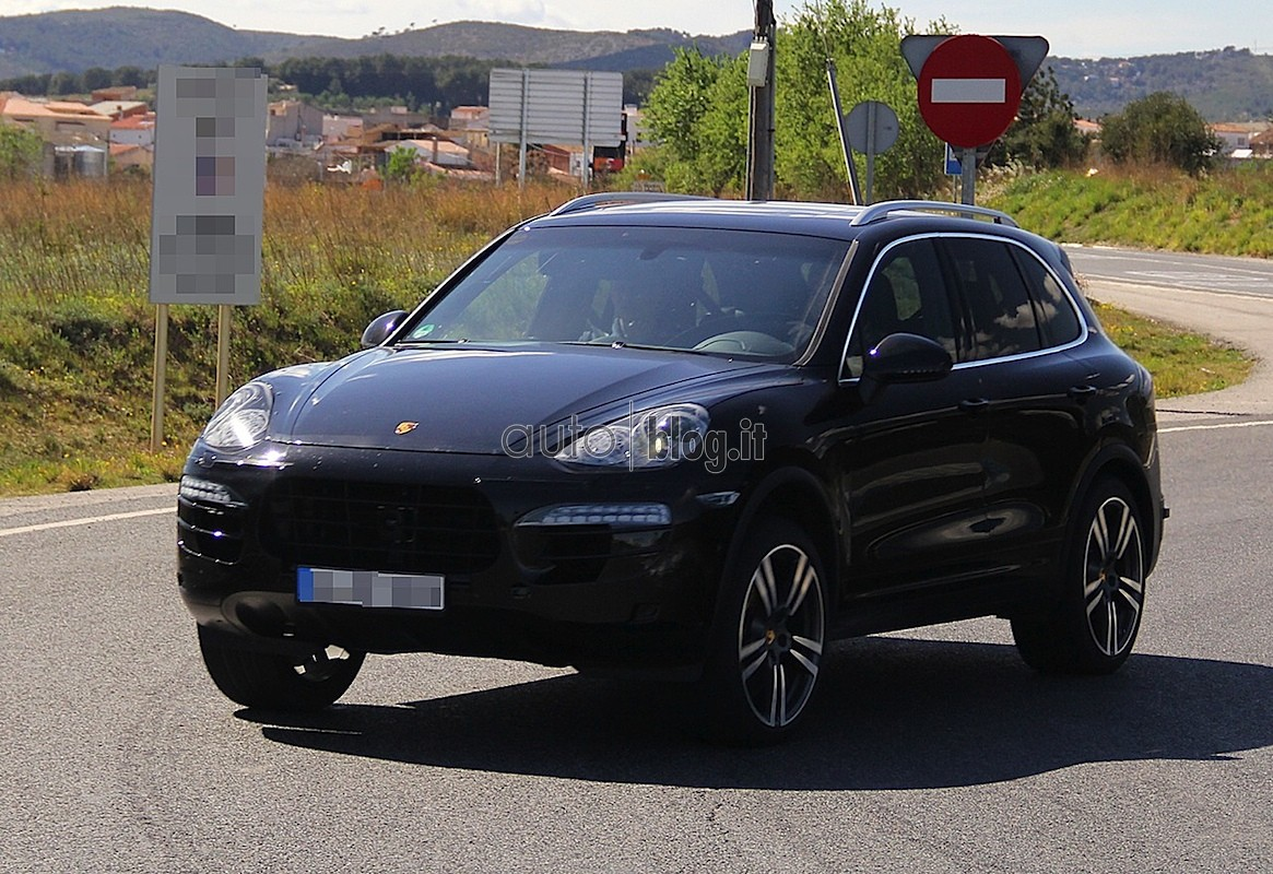 porsche cayenne 2014 le restylage se profile blog automobile. Black Bedroom Furniture Sets. Home Design Ideas
