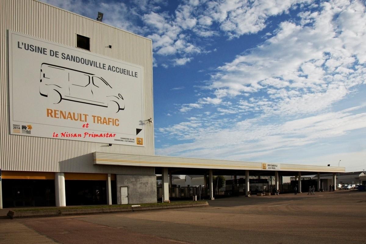 Renault-Sandouville-accueille-le-Trafic et Primastar 2014