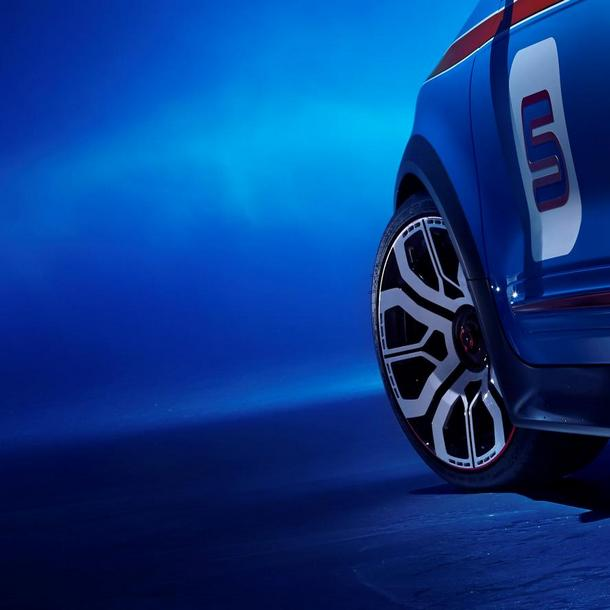 Renault Twin'Run Concept 2013 Teaser (2)