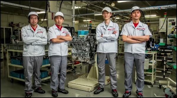 la Nissan GT-R et ses 4 takumi