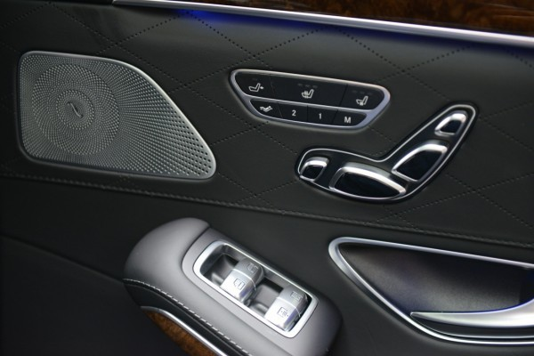 Mercedes S 2013 - Backseat control