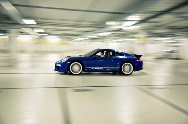 Porsche 911 Carrera 4S 5 Millions de fans.1