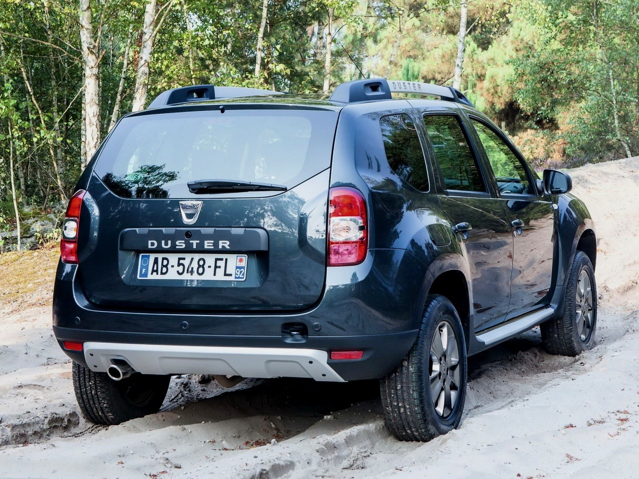 dacia duster restyl 2014 presque du light mais pas d sagr able m j photos blog automobile. Black Bedroom Furniture Sets. Home Design Ideas