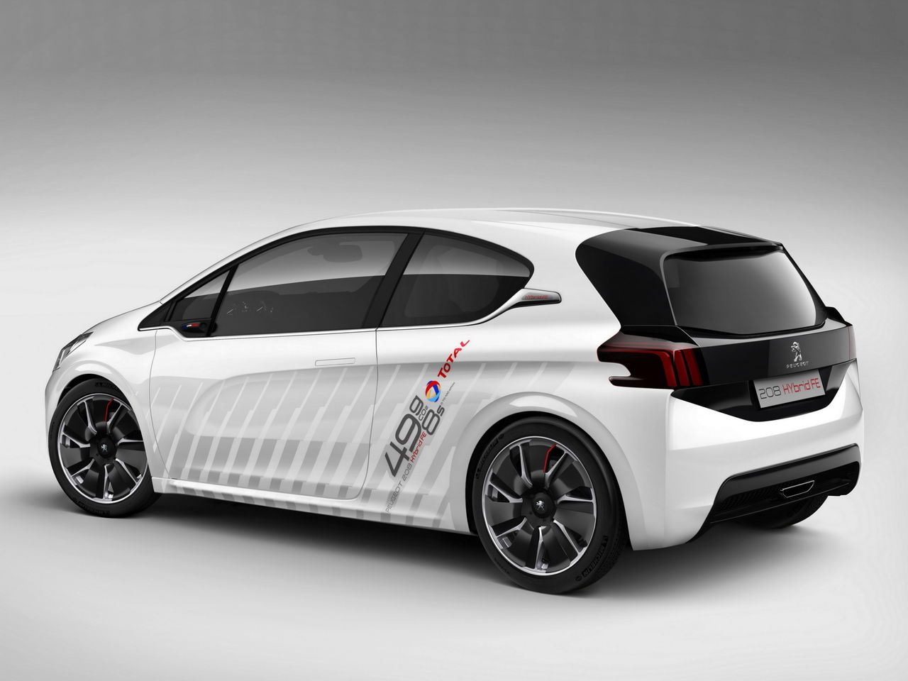 peugeot 208 hybrid fe le concept car fun efficient blog automobile. Black Bedroom Furniture Sets. Home Design Ideas