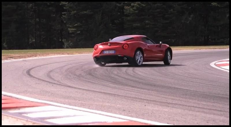 Chris Harris teste l'Alfa Romeo 4C