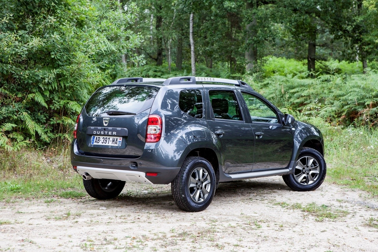 nouveau dacia duster restyl 2014 sa d couverte et les vid os blog automobile. Black Bedroom Furniture Sets. Home Design Ideas