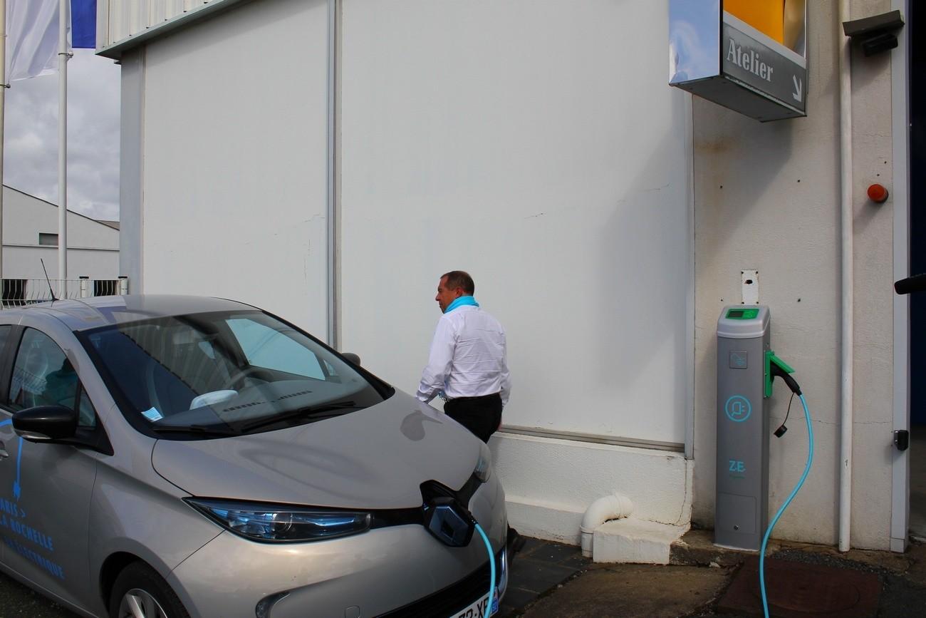 Renault offre une heure de recharge gratuite à tous les possesseurs de VE