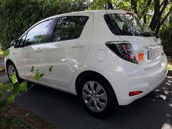 Toyota vend des voitures hybrides à Orange
