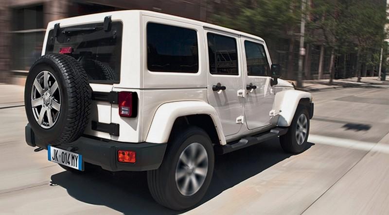 jeep wrangler sahara platinum edition seulement pour nous blog automobile. Black Bedroom Furniture Sets. Home Design Ideas
