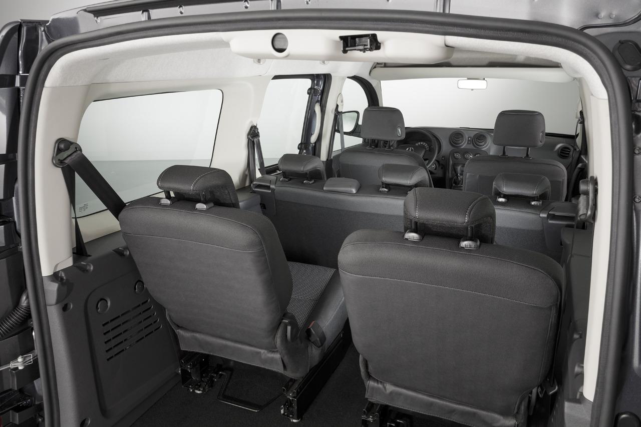 mercedes benz citan des places en plus avec le crewbus et deux nouveaux moteurs vid o blog. Black Bedroom Furniture Sets. Home Design Ideas