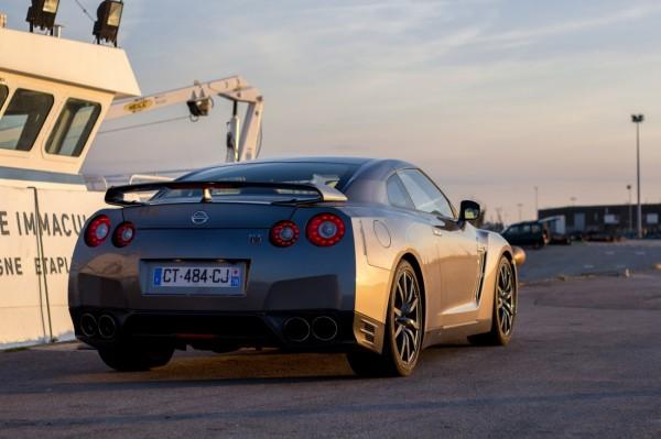 Nissan_GTR_Gentleman_Edition_2013_M_08
