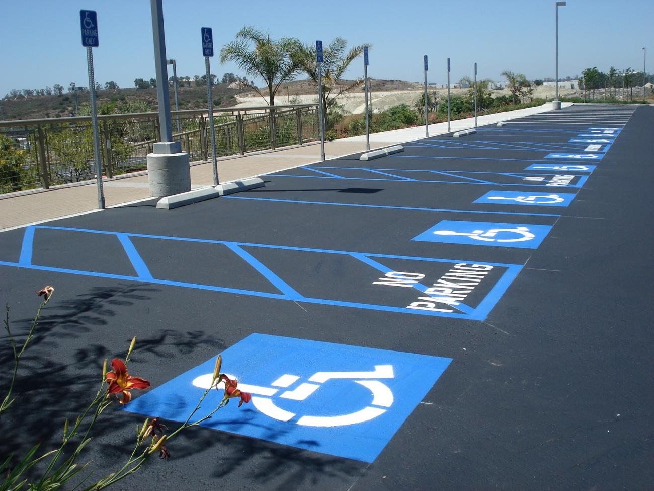 parking handicapé vers la gratuité