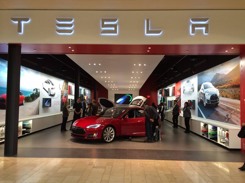 tesla le premier service center fran ais est ouvert blog automobile. Black Bedroom Furniture Sets. Home Design Ideas