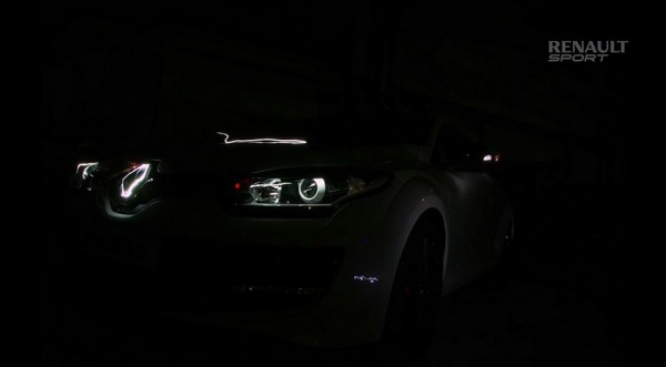 Renault Megane RS275R under8 teaser