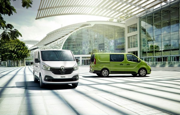 Renault_56809_global_fr