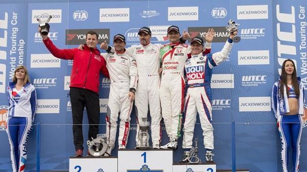 podium-WTCC-Castellet-course1