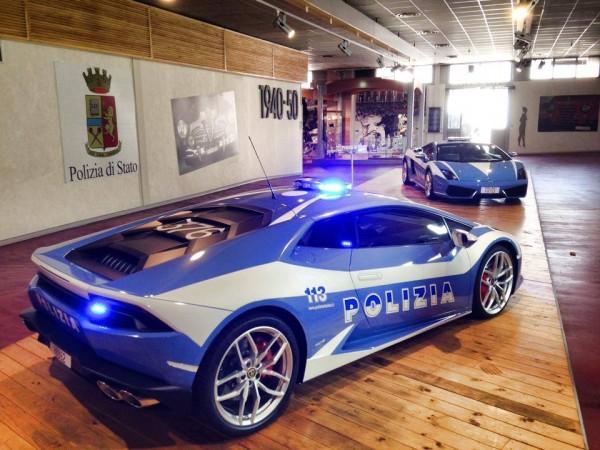 Lamborghini Huracan pour la police italienne.11