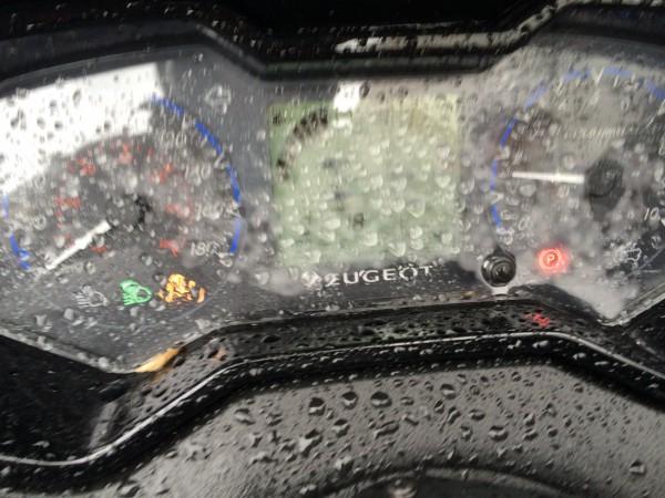 Tableau de bord Peugeot Metropolis 400 RG buee