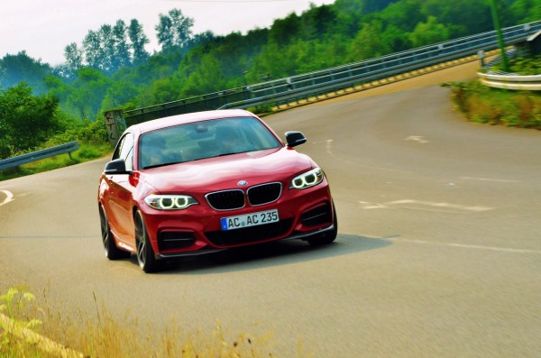 07583389-photo-tuning-bmw-serie-2-par-ac-schnitzer