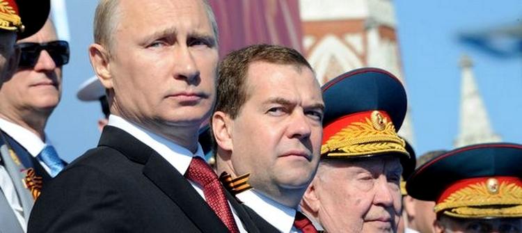 Poutine et Medvedev  - l'automobile dans la crise ukrainienne