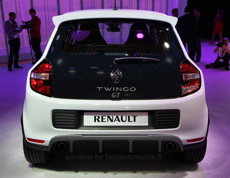 renault une twingo dynamique dans les tuyaux blog. Black Bedroom Furniture Sets. Home Design Ideas