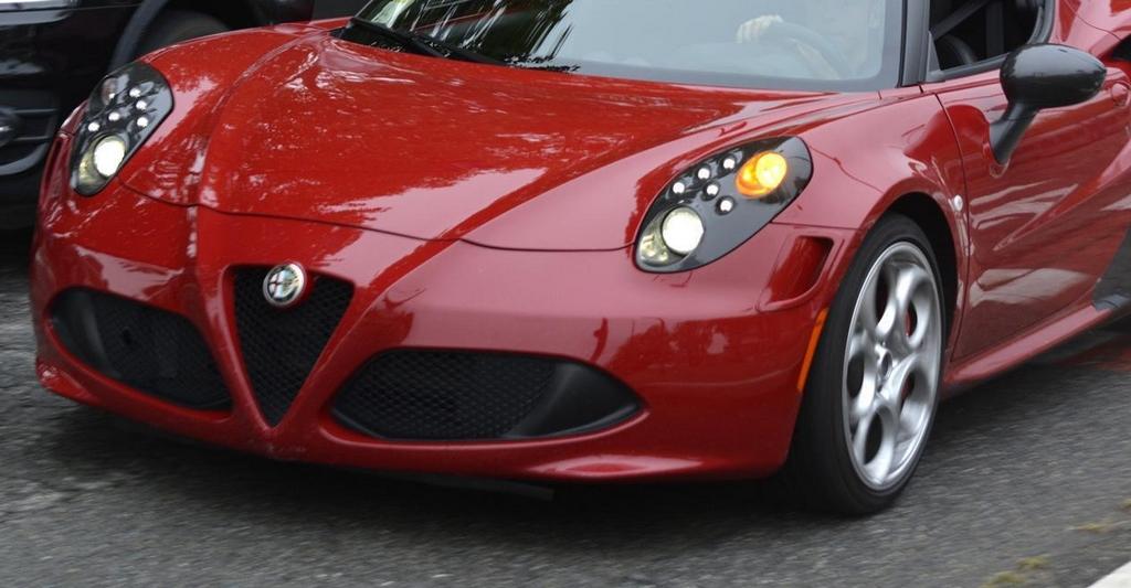 Alfa Romeo 4C QV
