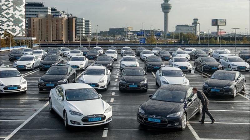 Aéroport d'Amsterdam Shiphol choisit Tesla Motors