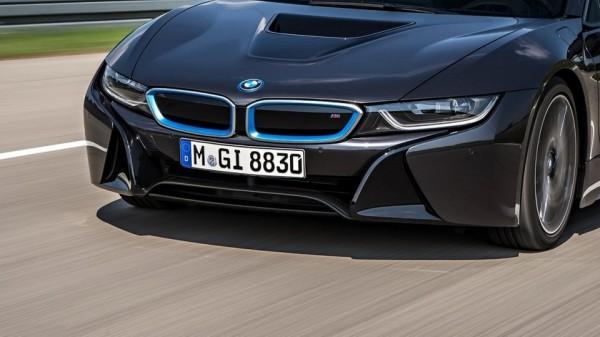 BMW i8 S ou i8 M par Khalil B. pour Blogautomobile