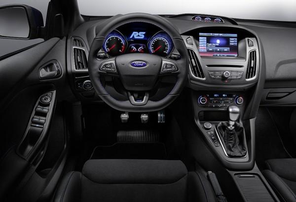 Nouvelle Focus RS S7-Geneve-2015-voici-la-nouvelle-Ford-Focus-RS-officiellement-a-4-roues-motrices-343913-600x409