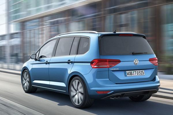 S7-Salon-de-Geneve-2015-Volkswagen-Touran-nouveau-depart-346099