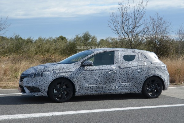spyshots-2016-renault-megane-shows-brand-new-design-and-underpinnings_3