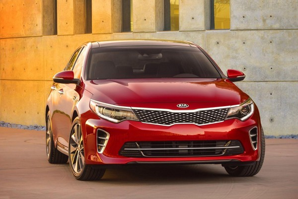 S7-Salon-de-New-York-la-nouvelle-Kia-Optima-totalement-devoilee-349969