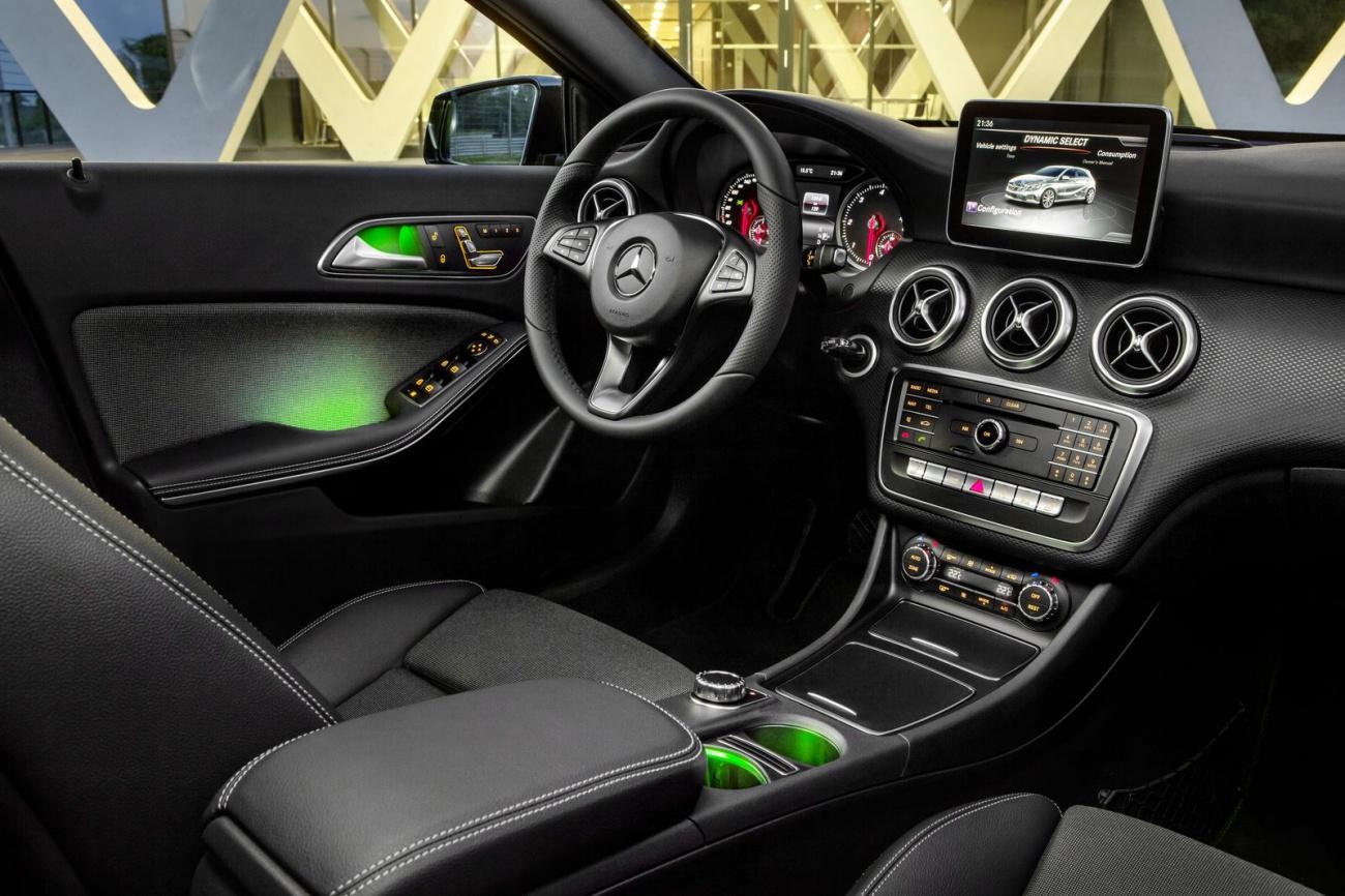 Mercedes retouche en finesse sa classe a - Interieur classe a ...