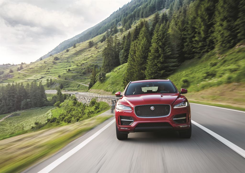 Jag_FPACE_RSport_Location_Image_140915_01_LowRes