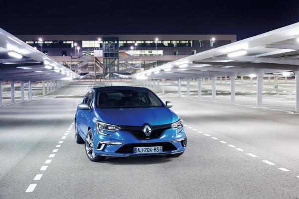 Renault_71250_global_fr