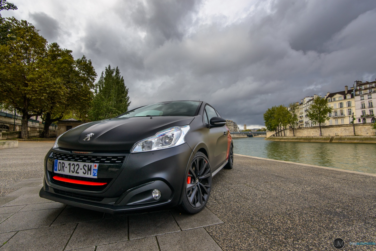 essai 208 gti by peugeot sport le lionceau sort les crocs. Black Bedroom Furniture Sets. Home Design Ideas