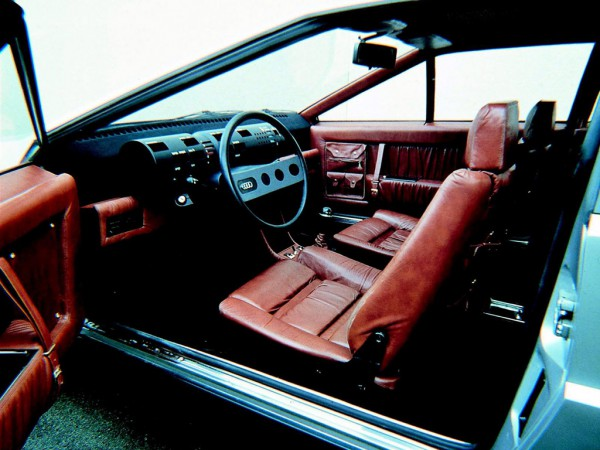1973_ItalDesign_Audi_Karmann_Asso_di_Picche_interior_02