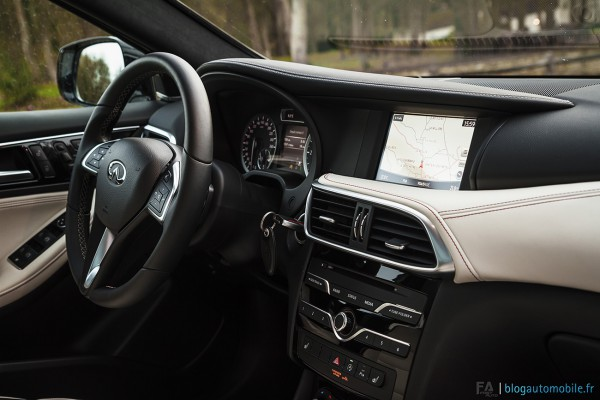 essai-review-infiniti-q30-2016-photo