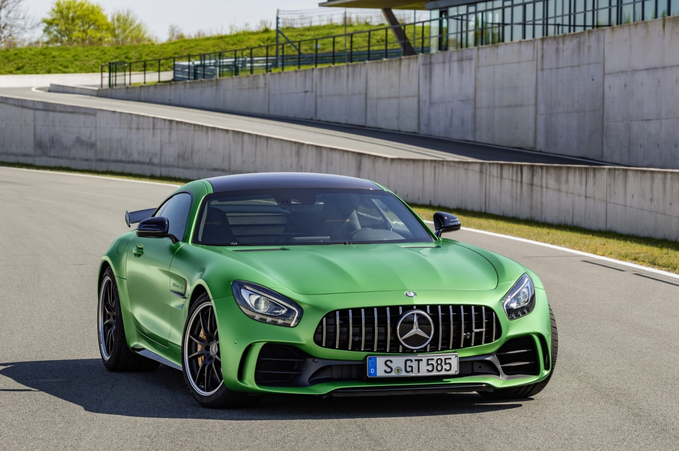 mercedes amg gt r par e pour l 39 enfer vert blog automobile. Black Bedroom Furniture Sets. Home Design Ideas