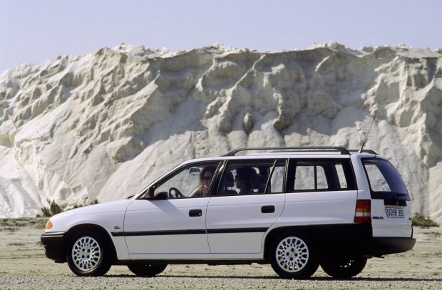 Opel-Kadett-F-Caravan-1991