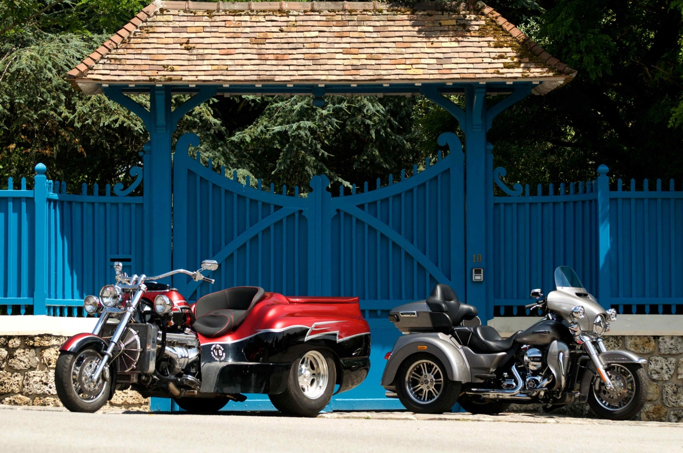 comparatif boss hoss trike v8 vs harley davidson tri glide ultra us spirit blog automobile. Black Bedroom Furniture Sets. Home Design Ideas