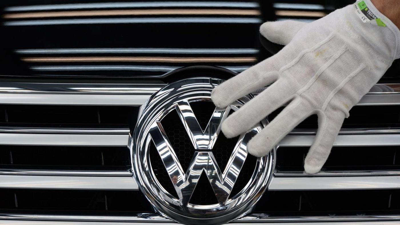 C'est bien connu, les emm*rdes, ça vole en escadrille. Volkswagen ,englué dans le dieselgate depuis un an, a annoncé cette semaine la suppression de 30 000 emplois dans le monde à objectif 2020, dont 23 000 en Allemagne. La plus grande partie devrait se faire par départ volontaires.