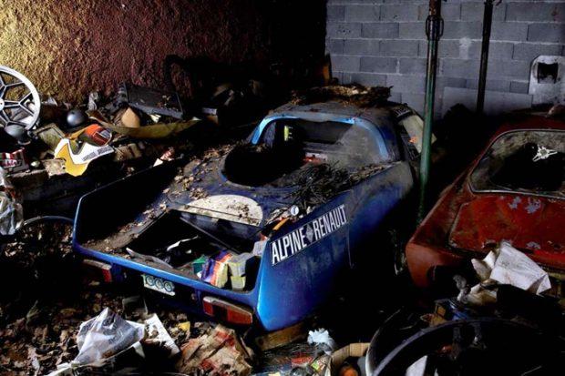 Depuis la vente Baillon (Artcurial) les voitures sorties de grange ont le vent en poupe. Ainsi, la vente de la collection Gérard Gombert « La Gombe » (Osenat) a enregistré des records avec un total de 1,9 millions d'euros. Cette Alpine A210 Prototype s'est vendue 710 000 € hors frais.