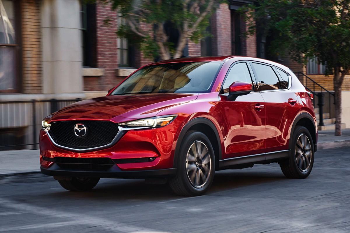 Mazda profite donc là aussi du salon américain pour présenter la deuxième génération du SUV CX-5. Il arrivera en concession dès le mois de février 2017, et on devrait vous en reparler plus en détails le moment venu...