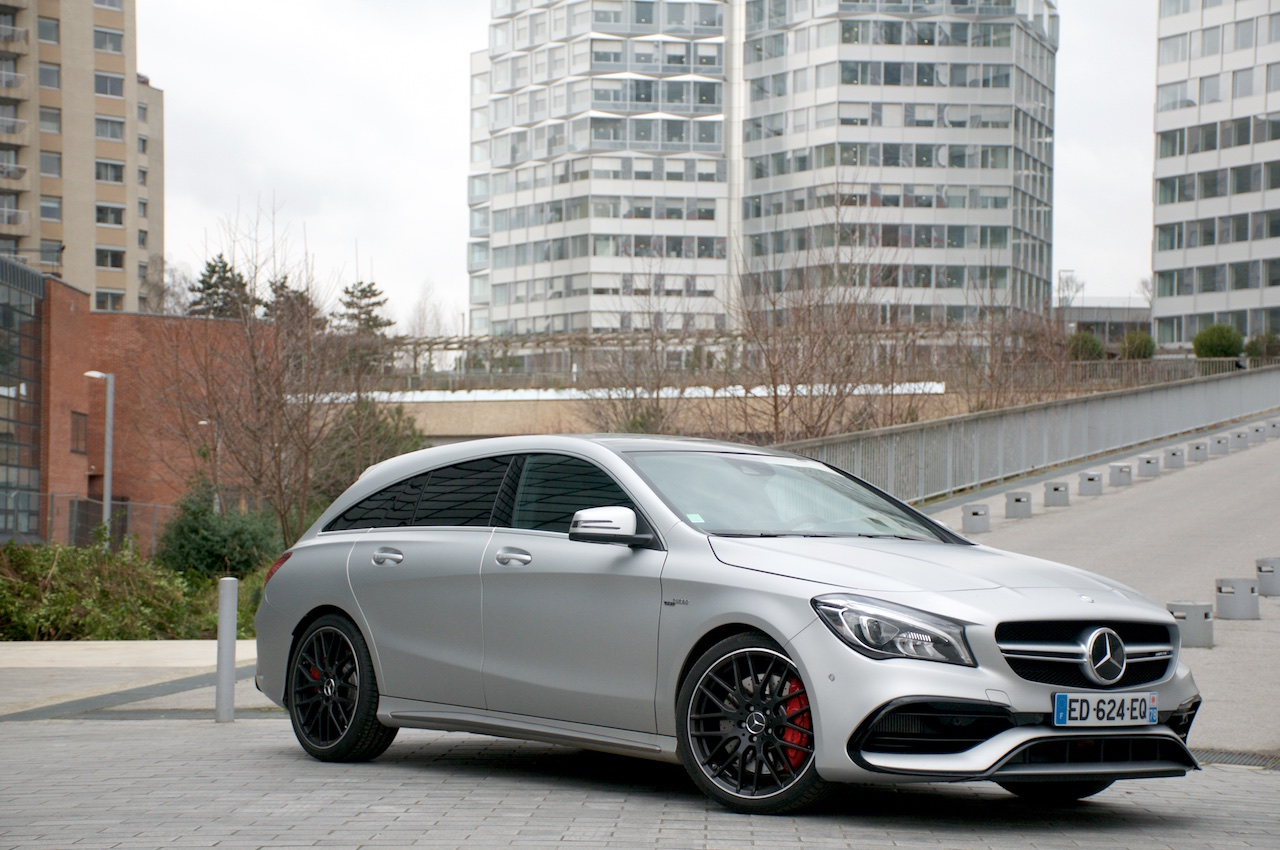 essai mercedes benz cla 45 amg shooting brake regardez les enfants papa double blog. Black Bedroom Furniture Sets. Home Design Ideas