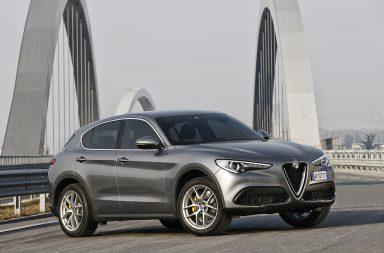 2017_Alfa-Romeo_Stelvio