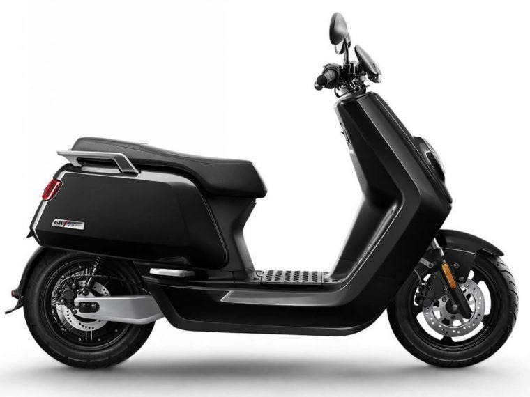 petit essai niu n1s civic scooter lectrique batterie amovible blog automobile. Black Bedroom Furniture Sets. Home Design Ideas