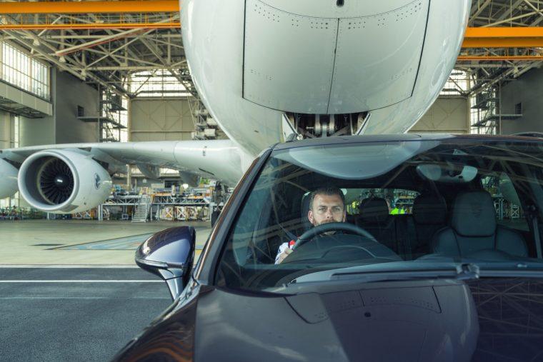 Une Porsche Cayenne tire un A380 — Nouveau record Guinness